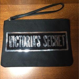 VICTORIA SECRET WRISTLET POUCH